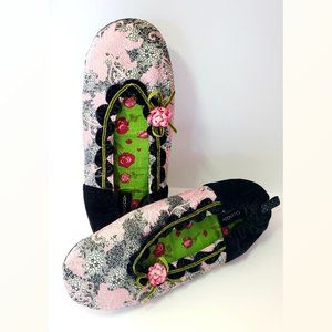 Goody Pink Floral Slippers Size WL (Size 9.5 - 11)